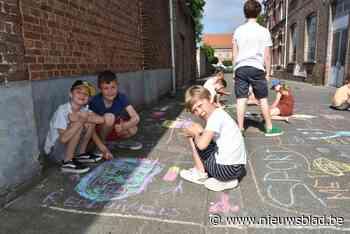 Scholieren geven de straat meer kleur (Bornem) - Het Nieuwsblad