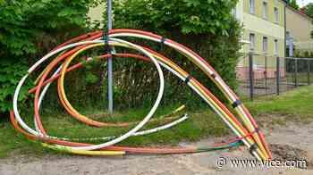 Big Telecom Blocks Attempt to Bring $15 Broadband To Covid Victims - VICE