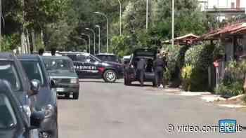 Barricato in casa ad Ardea, all'esterno si sente un'esplosione - Corriere Roma
