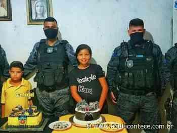 Militares do 11º BPM atendem desejo de irmãos de Penedo que sonham em ser policiais - Aqui Acontece