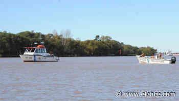 Pescador falleció tras caer al río Paraná: Su embarcación dio vuelta campana - Elonce.com