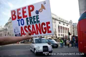 'We're feeling the momentum': Julian Assange family says Reality Winner's release raises fresh hope