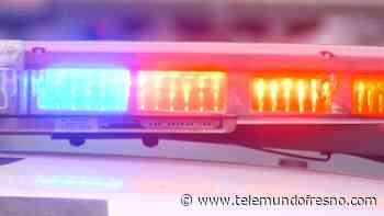 Hombre se atrinchera en auto tras persecución policial - Telemundo Fresno