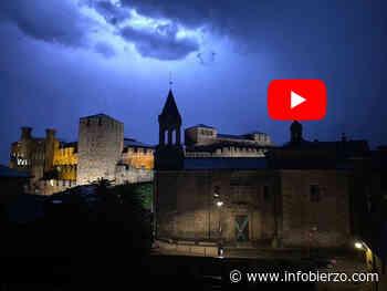 La tormenta sobre el Castillo de Ponferrada / VIDEO - Infobierzo.com