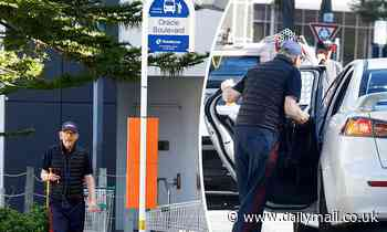 Hollywood director Ron Howard waits by Gold Coast bus stop before eventually getting into an Uber