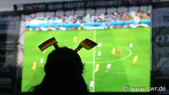 Public Viewing in Kaiserslautern während der Europameisterschaft - SWR