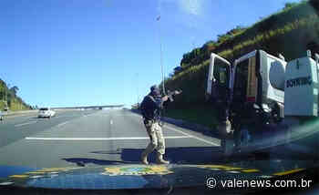 Polícia Rodoviária Federal recupera em Vargem/SP caminhão roubado em Pouso Alegre/MG - Vale News