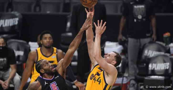 Utah Jazz's defense falls apart, and they trail the LA Clippers 68-44 at halftime of Game 4