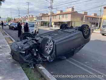 Vuelca en Cerrito Colorado - Noticias de Querétaro