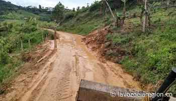 Maquinaria del municipio recuperó importante vía rural en Acevedo - Noticias