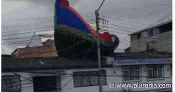 Impresionante: inflable voló con niños adentro en la localidad Rafael Uribe Uribe, en Bogotá - Blu Radio