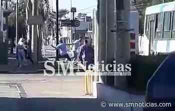 Colectivero se defendió de delincuentes a palazos en Merlo - SMnoticias
