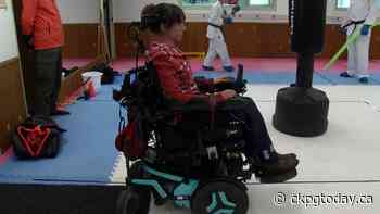 Local karate instructor continues to teach despite paralysis - CKPGToday.ca