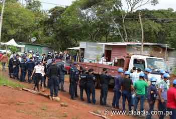 Efectúan desalojo de precaristas en La Chorrera - Día a día