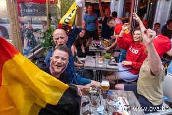Supporters genieten met ijzeren discipline van Rode Duivels op Antwerpse terrassen - Gazet van Antwerpen