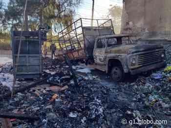 Incêndio destrói barracão com materiais recicláveis na Zona Norte de Londrina - G1