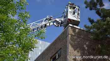 ▶ In Neubrandenburger BAZ-Halle hat's schon wieder gebrannt - Nordkurier