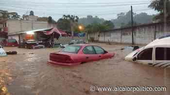 Lluvias dejaron deslaves, inundaciones y caída de bardas, en Coatepec - alcalorpolitico