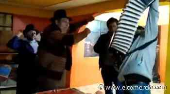 Se viraliza video del Alcalde de Guaranda celebrando e ingiriendo bebidas alcohólicas - El Comercio - El Comercio (Ecuador)