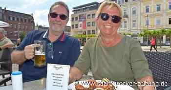 Menschen in Saarlouis freuen sich über neue Corona-Regeln für die Gastronomie - Saarbrücker Zeitung