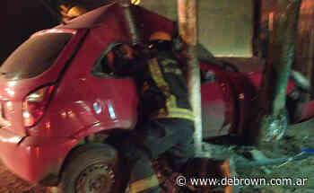 Accidente fatal en Burzaco: chocó contra un poste y murió - Noticias De Brown