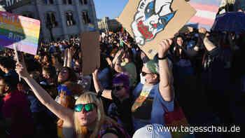 Neues Gesetz in Ungarn: Homosexualität als Feindbild