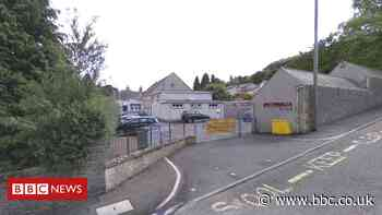 Covid in Scotland: Galashiels primary school outbreak 'contained' - BBC News