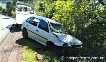 Veículo furtado no Shopping Lajeado é encontrado acidentado às margens da ERS-129 - independente