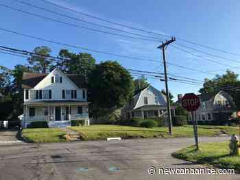 15-Year-Old New Canaan Girl Struck By Vehicle on Richmond Hill Road Late Friday - New Canaanite