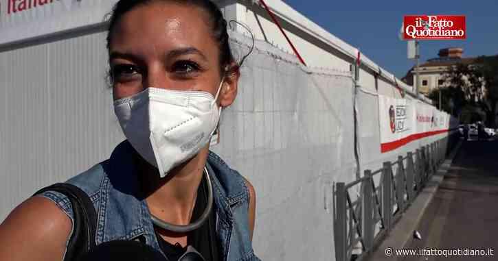 """Mix vaccini, all'hub di Roma pochissime rinunce: """"Mi fido, importante è uscirne"""". Croce Rossa: """"Solo 8 defezioni su 5mila prenotazioni"""""""
