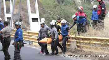 Una joven cayó del antiguo puente sobre el río Chiche, en Quito - El Comercio - El Comercio (Ecuador)