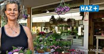 """Nach 28 Jahren: """"Blumen-Andrea"""" verlässt das Zentrum in Altwarmbüchen - Hannoversche Allgemeine"""