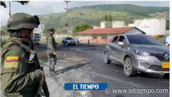 Policía madrugó a desbloquear carretera en Yumbo - El Tiempo