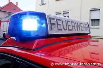 HEINERSREUTH - Feuer zerstörte drei Gartenhäuser in einem Waldgebiet nahe Heinersreuth - Bayern24