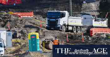 West Gate Tunnel project faces $4b blowout amid contaminated soil crisis