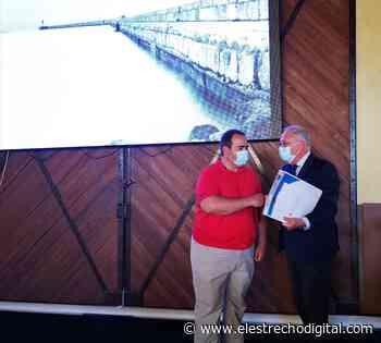 Jesús Caicedo: «El Concurso de Fotografía ha contribuido a que Almería conozca un poco más su Puerto» - El Estrecho Digital