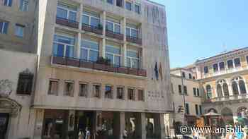 Turista cade dal quinto piano di un hotel a Venezia e muore - Agenzia ANSA