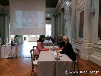 Job dating à Biarritz : quand l'hôtel du Palais reçoit les candidats dans le salon impérial - Sud Ouest