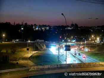 Rodovia Raposo Tavares com lentidão em Cotia neste domingo (13) - Via Trolebus