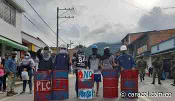 Bloqueo de vías afectó a los comerciantes de Cajamarca - Caracol Radio