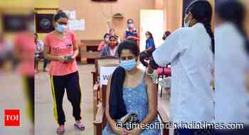 Coronavirus live updates: 18+ can walk in for jabs without pre-registration - Times of India