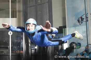 """Alain (59) sterft bij parachutesprong: """"Zijn parachute was perfect geopend, maar hij begon te tollen"""""""