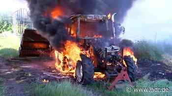 Landkreis Verden: Feuer vernichtet Traktor - NDR.de