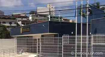 Dupla é presa ao furtar telhas de empresa desativada em Cariacica - HORA 7