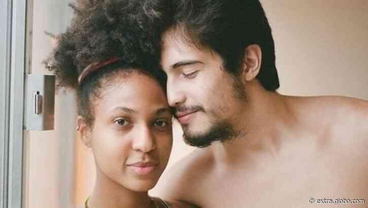 Danilo Mesquita assume namoro com atriz filha de Mano Brown, Domenica Dias - Extra