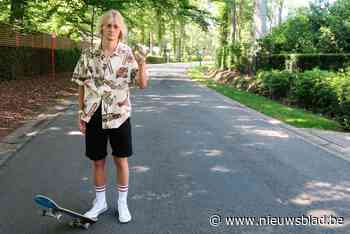 """Jonge longboarder brutaal overvallen in villawijk: """"Ik zei goedendag en kreeg vuistslagen terug"""" - Het Nieuwsblad"""