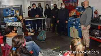 Inauguran tres Aulas Talleres Móviles en Godoy Cruz - Mendovoz