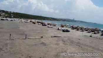 Llamado de atención a turistas que arrojan basuras en playas de Puerto Colombia - RCN Radio