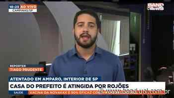 Casa do prefeito da cidade de Amparo é atingida por rojões - Vídeos Band