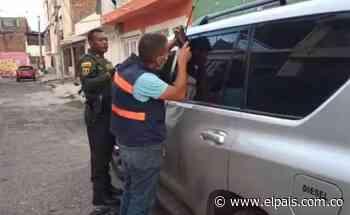 Roban camioneta del representante Gustavo Padilla y la abandonan en calle de Cali - El País